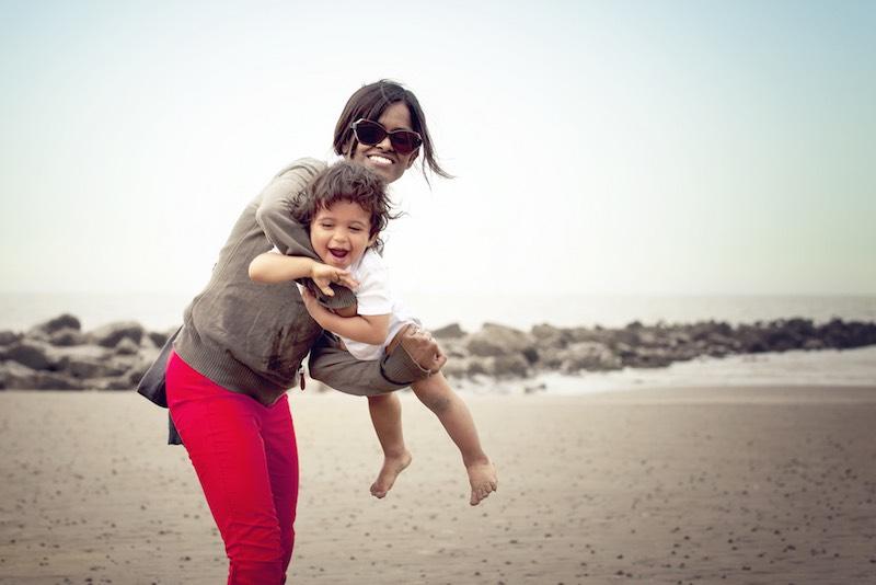 mother-child-on-beach-cc-philippe-put-cc